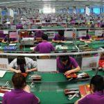Фото процесса серийного производства в Китае. Сборка электроники.