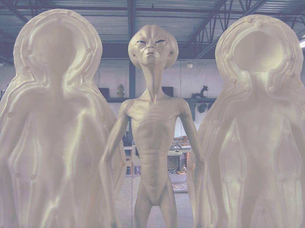 Литье пластмасс в силиконовую форму пришельца.