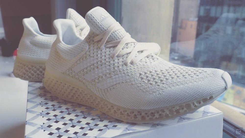 Кроссовки, которые были сделаны на 3D принтере.