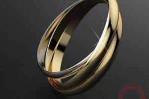 Фото кольца с лого Qvarta на столе.
