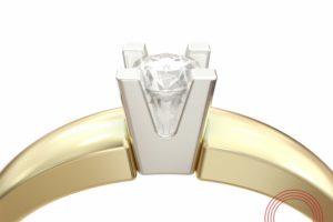 Фото кольца с лого Qvarta.